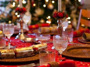 holiday_dining_Thanksgiving_Christmas_table_setting